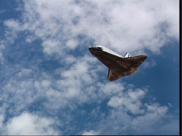 Atterrissage de la navette Sts-0311