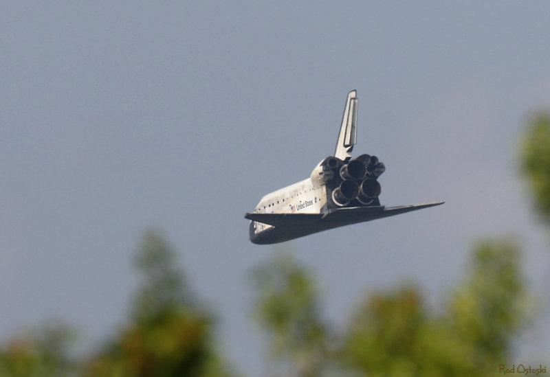 Atterrissage de la navette Sts-1210