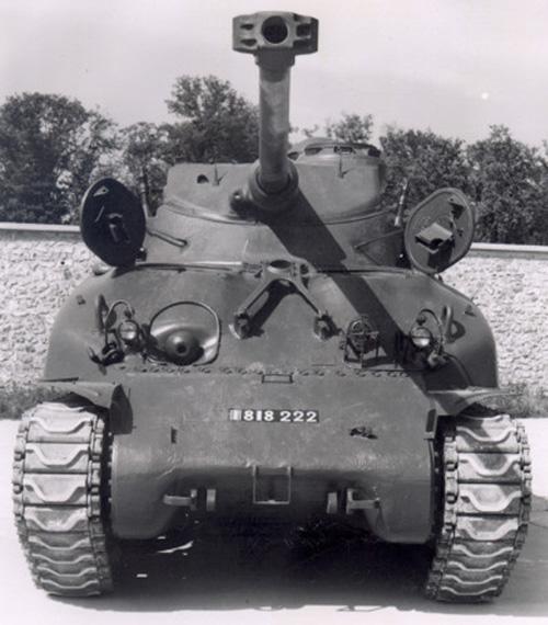 Sherman M4A1 avec tourelle AMX13 (termine) - Page 2 M4a1-f10