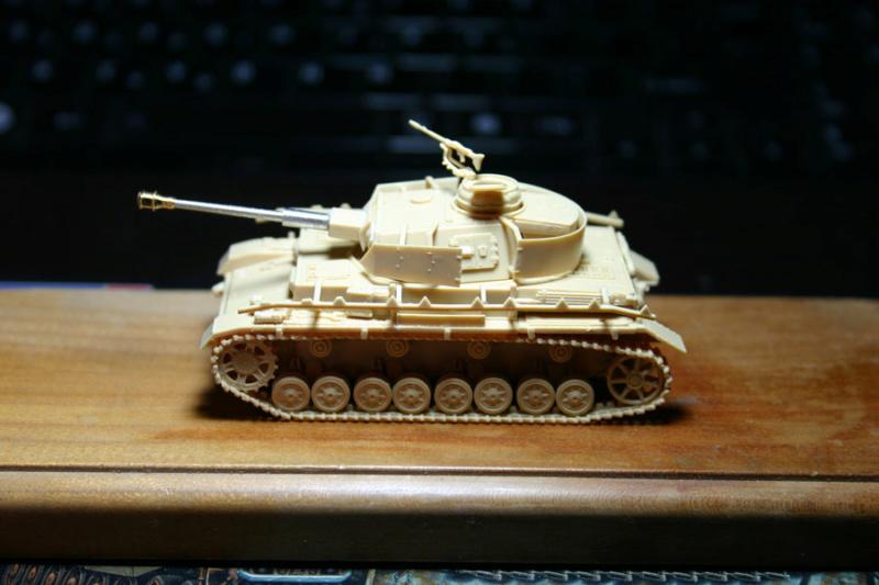 [ Revell ]    Pz.Kpfw. IV Ausf.H  Pzkpfz16