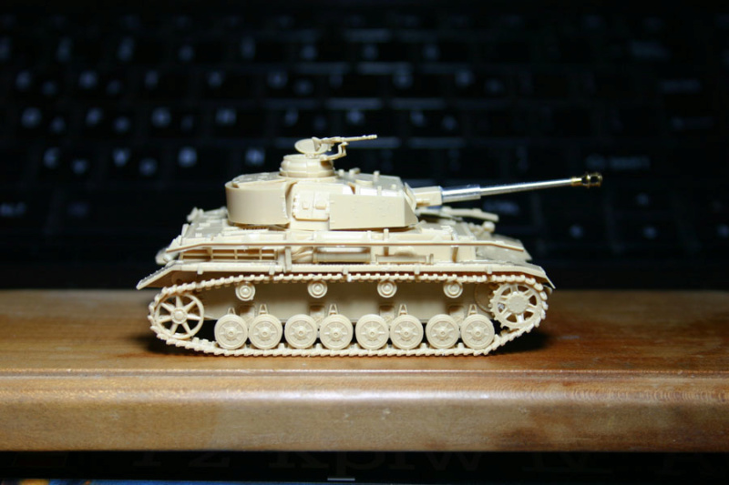 [ Revell ]    Pz.Kpfw. IV Ausf.H  Pzkpfz19