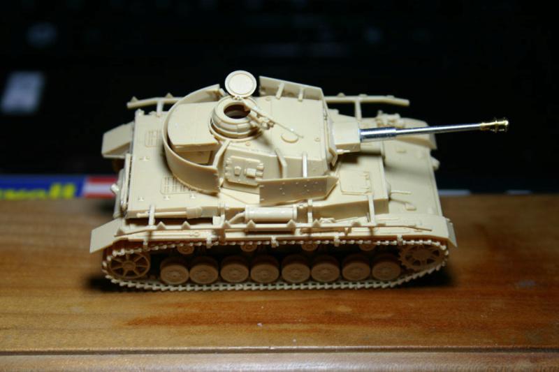 [ Revell ]    Pz.Kpfw. IV Ausf.H  Pzkpfz21