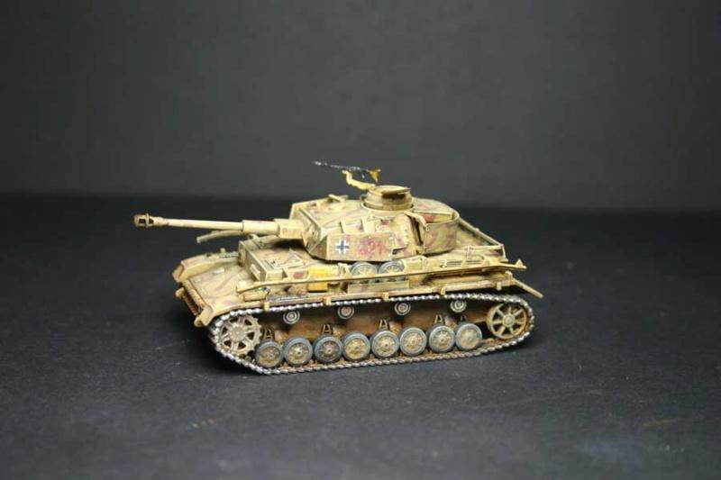 Pz.Kpfw. IV Ausf.H Revell (TERMINE) complement de photos - Page 3 Pzkpfz44