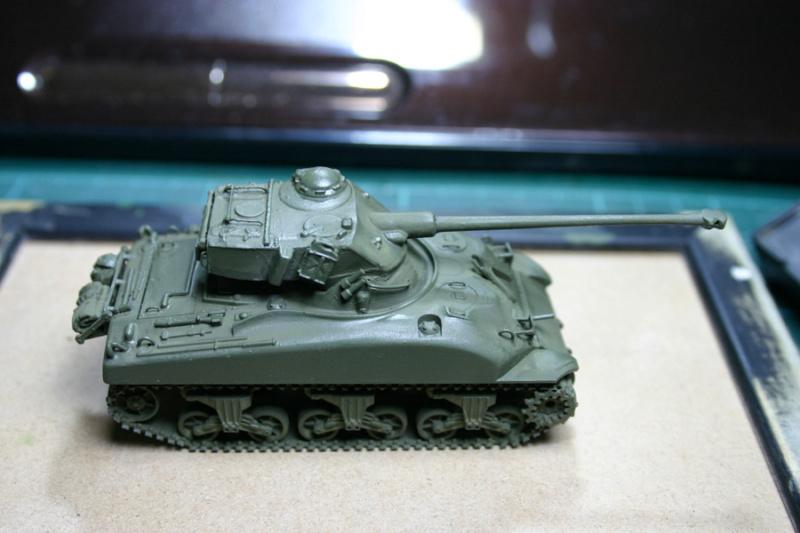 Sherman M4A1 avec tourelle AMX13 (termine) - Page 2 Revalo20