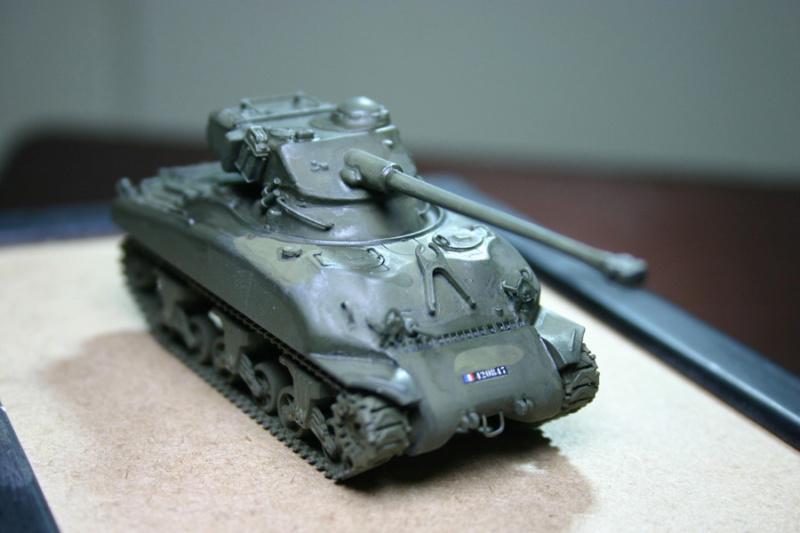 Sherman M4A1 avec tourelle AMX13 (termine) - Page 2 Revalo27
