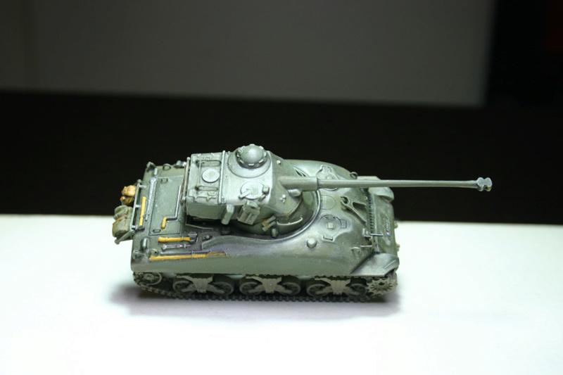 Sherman M4A1 avec tourelle AMX13 (termine) - Page 2 Revalo35