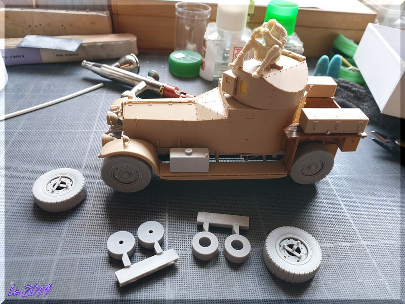 Rolls-Royce Armored Car - MENG - 1/35ème - Page 9 25_dzo10