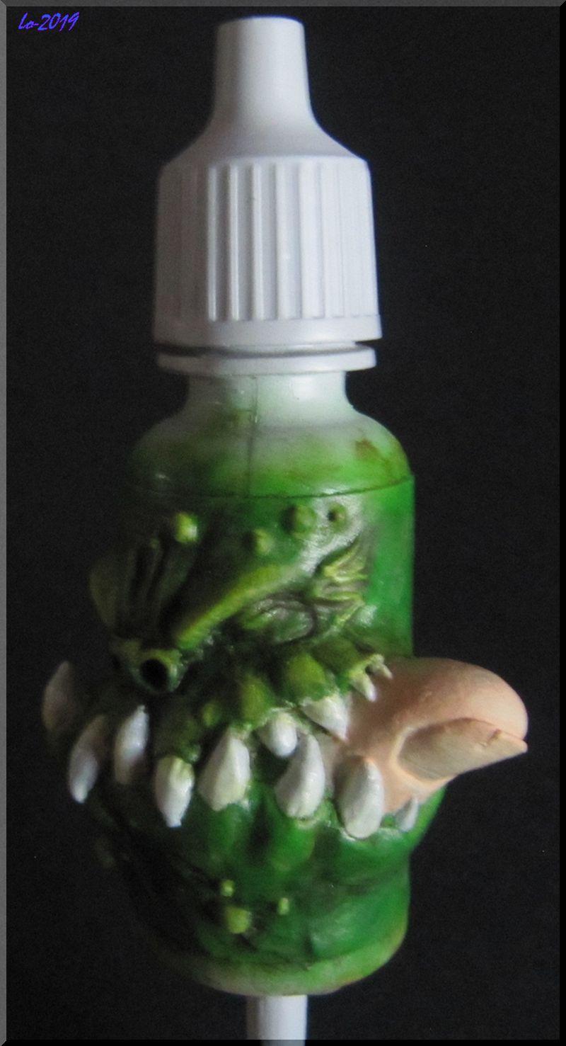 Le Kroc-doigt - MAOW - Echelle flacon de peinture acrylique - Page 2 810