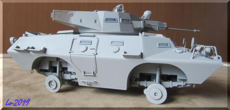 Cadillac V-200 Gage avec canon de 20mm - Hobbyboss - 1/35ème - Les Ricains roulent en Cad !  - Page 2 Apprzo10