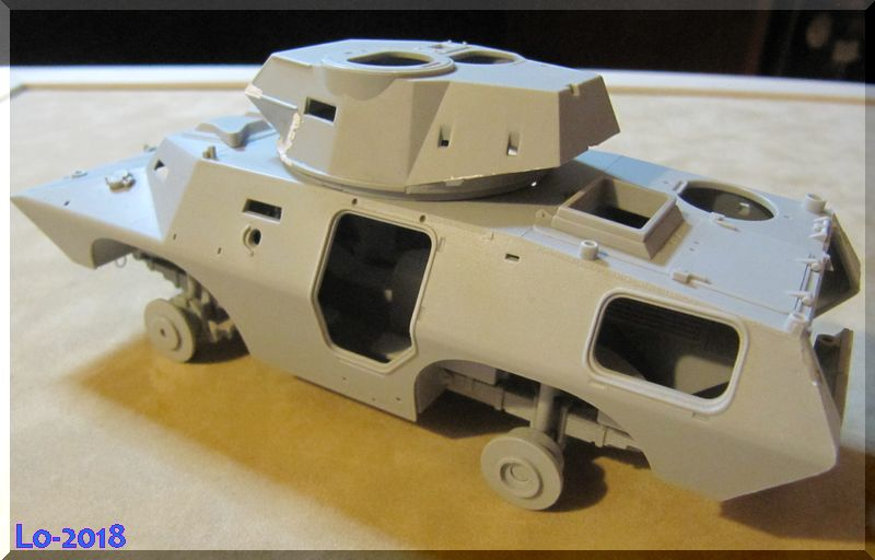 Cadillac V-200 Gage avec canon de 20mm - Hobbyboss - 1/35ème - Les Ricains roulent en Cad !  Comple10