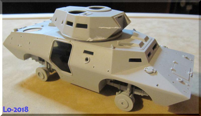 Cadillac V-200 Gage avec canon de 20mm - Hobbyboss - 1/35ème - Les Ricains roulent en Cad !  Comple11