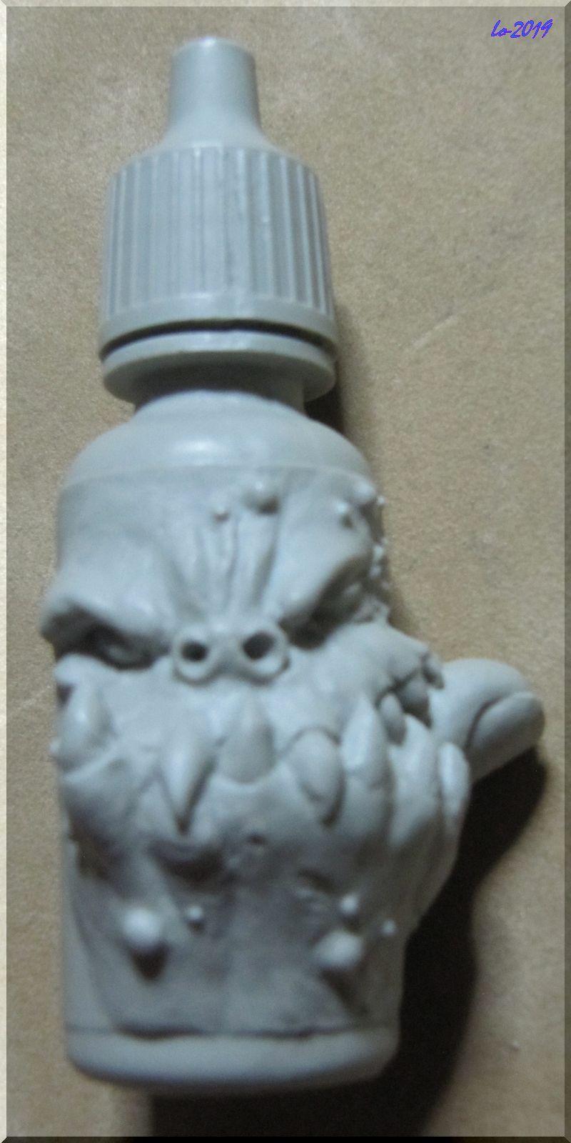 Le Kroc-doigt - MAOW - Echelle flacon de peinture acrylique Person10