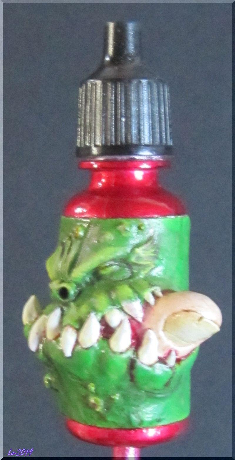 Le Kroc-doigt - MAOW - Echelle flacon de peinture acrylique - Page 2 Rouge_10