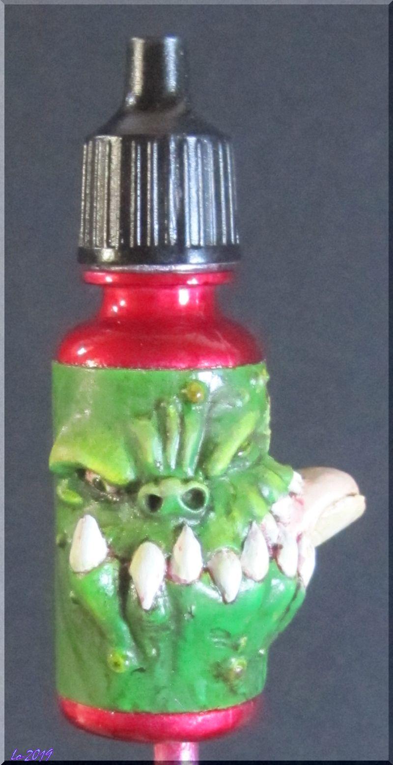 Le Kroc-doigt - MAOW - Echelle flacon de peinture acrylique - Page 2 Rouge_11