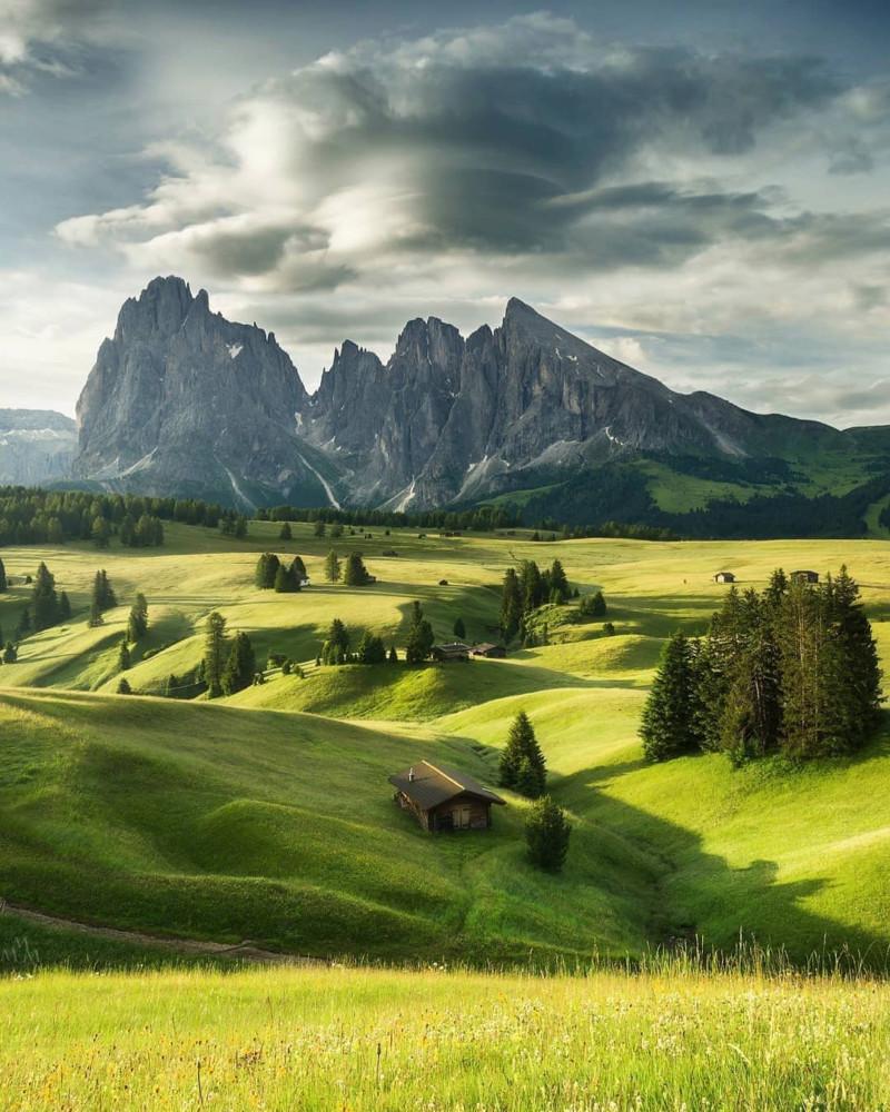هل تعلم أن أكبر مرتفع في جبال الألب في أوروبا يقع في دولوميت ؟  15770910