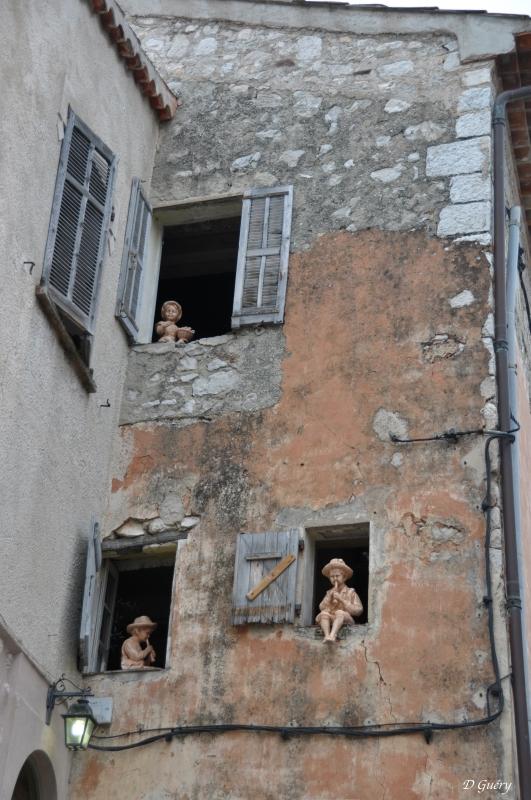 [Fil ouvert ] Fenêtres, volets, ouvertures... - Page 11 Musici10