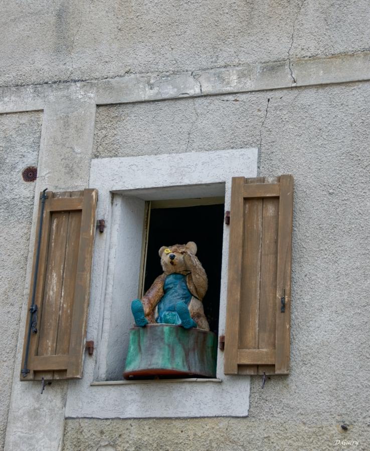 [Fil ouvert ] Fenêtres, volets, ouvertures... - Page 11 Ours_010