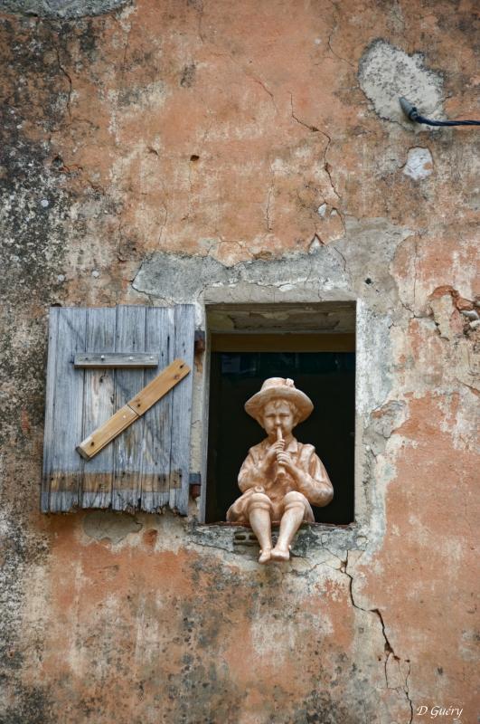 [Fil ouvert ] Fenêtres, volets, ouvertures... - Page 11 Petit_10