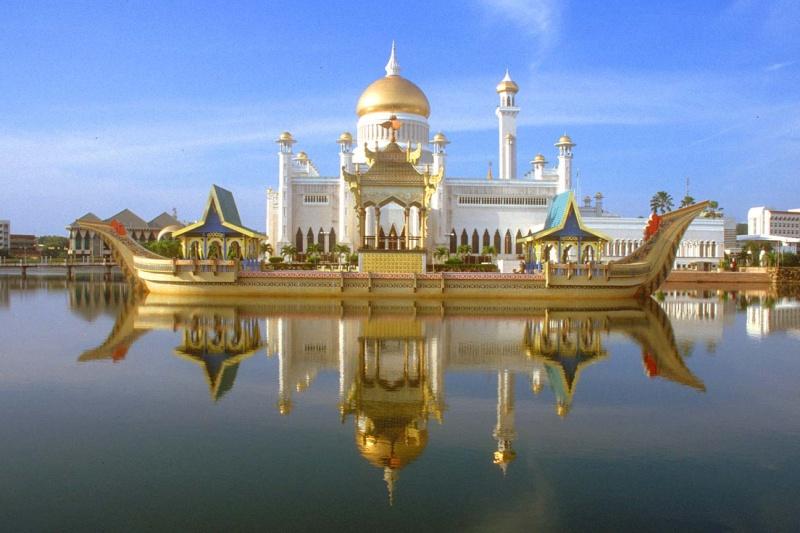 مسجد مصنوع بالذهب ادخل لترى و لن تصدق حيث الحقيقة تفوق الخيال 16051510