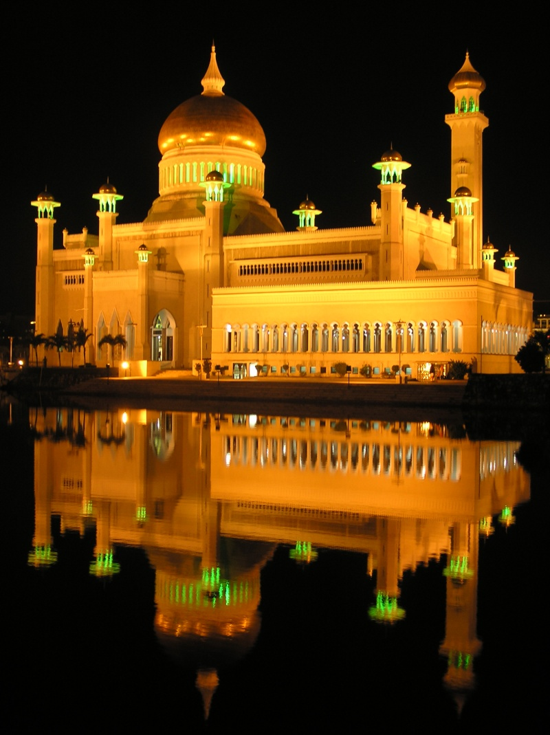 مسجد مصنوع بالذهب ادخل لترى و لن تصدق حيث الحقيقة تفوق الخيال 512