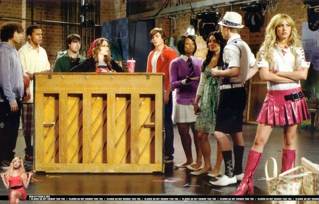 [Walt Disney Pictures] High School Musical 3 : Nos Années Lycée (2008) - Page 15 01210