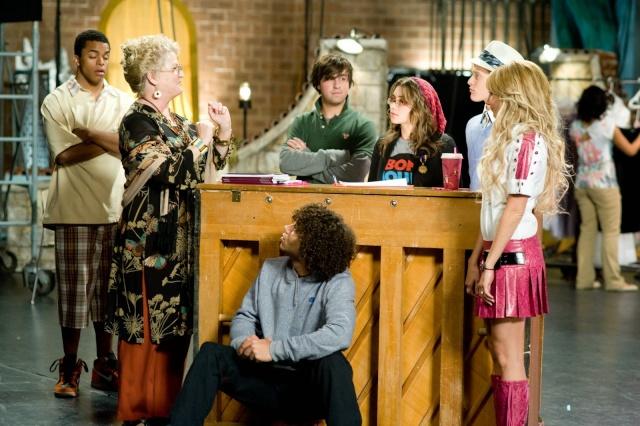 [Walt Disney Pictures] High School Musical 3 : Nos Années Lycée (2008) - Page 15 01410