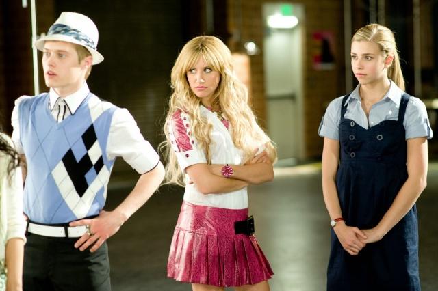 [Walt Disney Pictures] High School Musical 3 : Nos Années Lycée (2008) - Page 15 01510