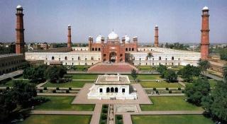 Badshahi Masjid (Mosque) Badsha11