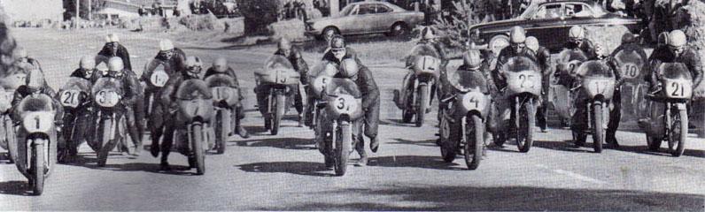 MAGNIFIQUE IMAGE D'EPOQUE. LE DEPART ! 1969-i10