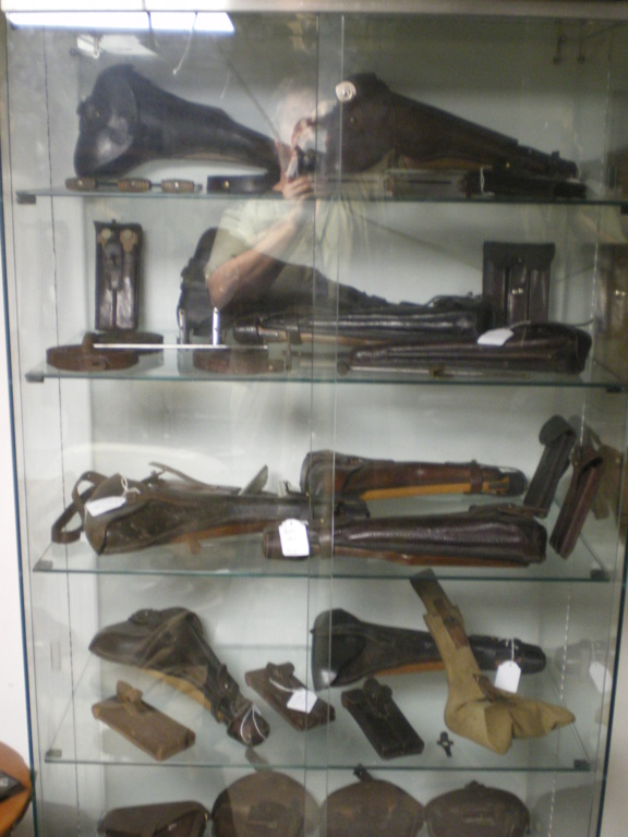 Présentation de vos armes de poing - supports - vitrines Ari-zo10