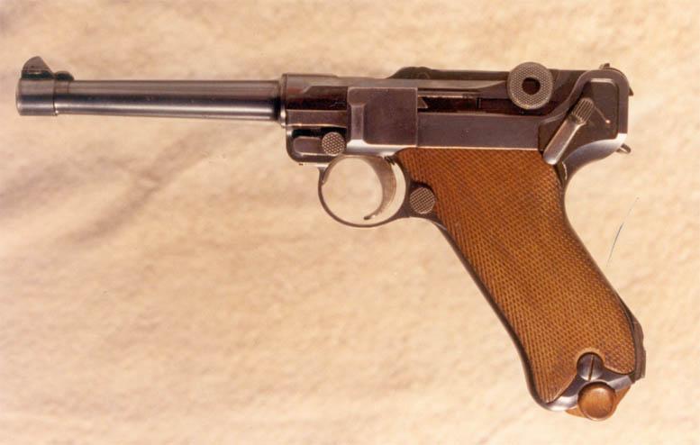Un P08 silencieux WW2... Luger_13