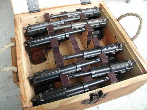 En caisse, y a pas que des Mauser 1934!!! P38_ca10