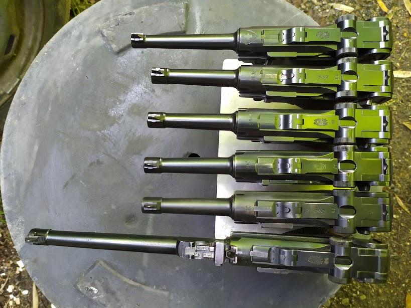 Présentation de vos armes de poing - supports - vitrines Six_up10