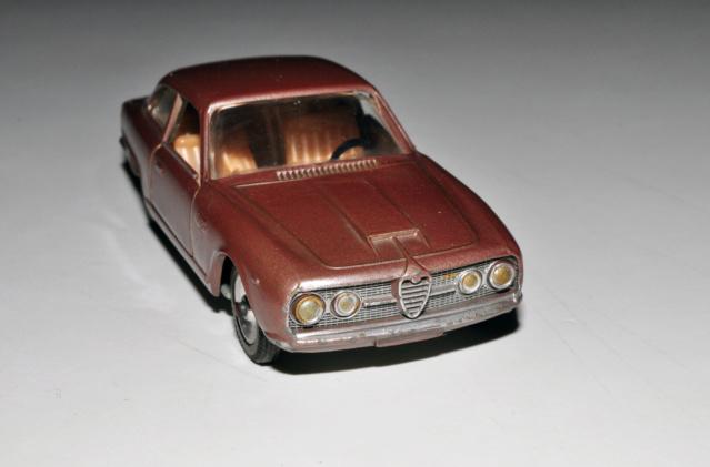 numéro 4 Alfa Romeo 2600 Solido35
