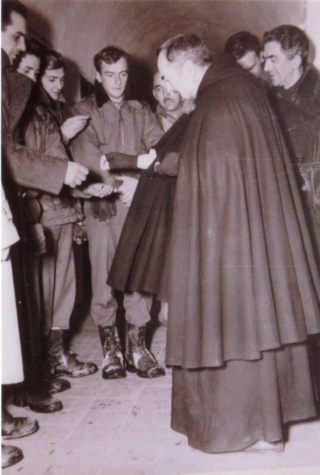 Padre Pio thaum ua neej nyob - Page 2 5e40c410