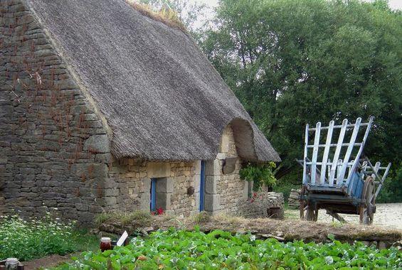 Maison bretonne Chaumi13