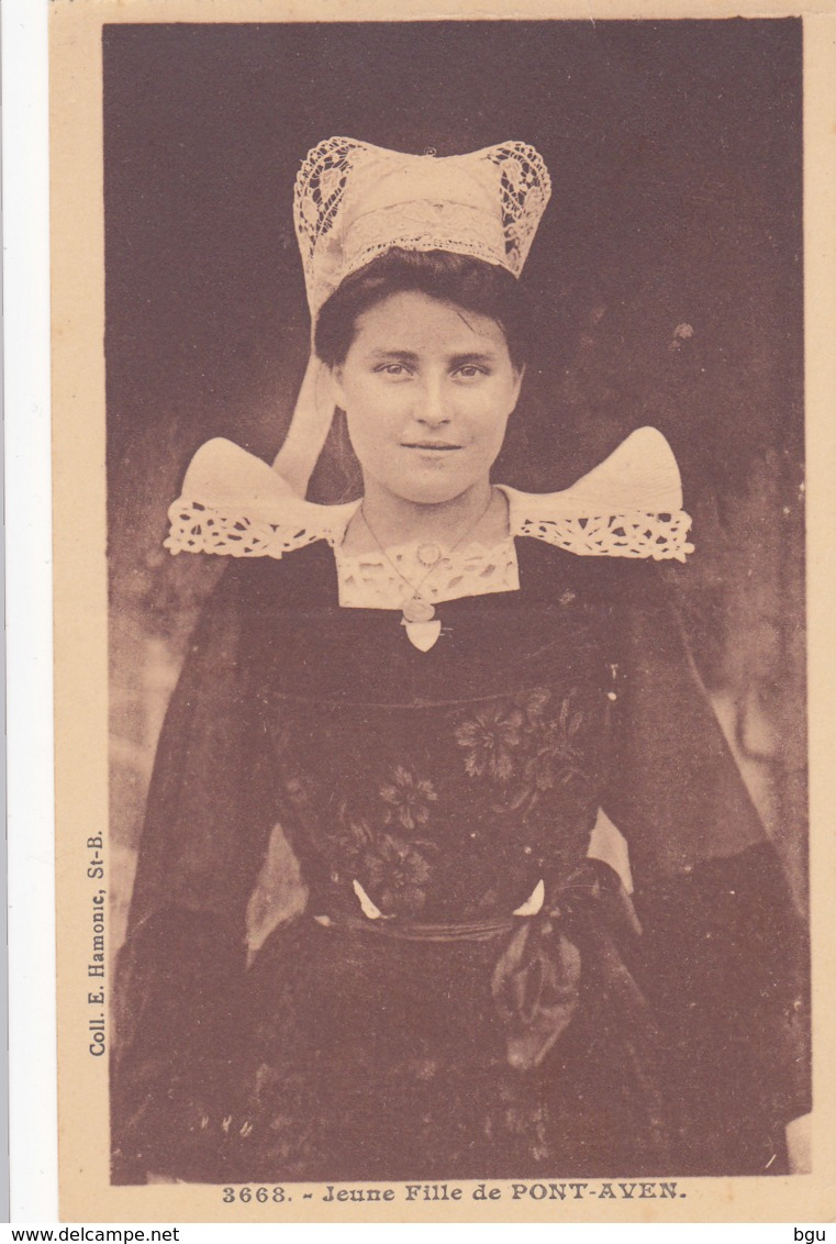 Identification costumes de l'Aven Costum11