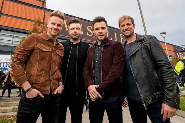 Westlife's Press Conference in Belfast 00-410