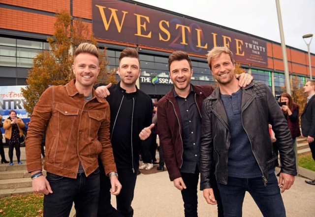 Westlife's Press Conference in Belfast 00-510