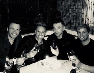 Nicky Byrne celebra su 40 cumpleaños con compañeros de la banda de Westlife 42322411