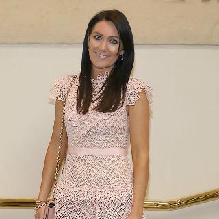 Georgina Ahern se entusiasma con su marido Nicky Byrne antes de la gira de la reunión de Westlife. Cariba11