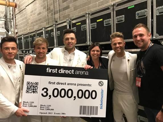 Westlife ayudó a la arena de Leeds a superar la marca de un millón de personas D87kdm10