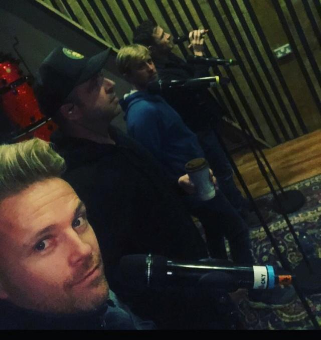 Nicky Byrne comparte noticias sobre el nuevo álbum de Westlife y el primer sencillo Duvnfz10