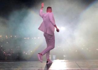 """Nicky Byrne se despide de la gira de Westlife con un emotivo agradecimiento a sus """"increíbles fans"""". Img-2110"""