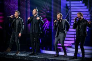 WESTLIFE subió al escenario en la gran final de Dancing With The Stars  Nintch22