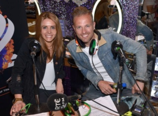 Nicky Byrne sorprendió a Jenny Greene de la MEJOR manera - mientras celebraban sus cinco años en el aire Vipire15
