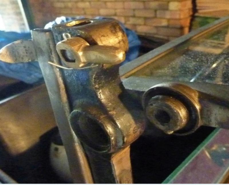 Commande tourillon / pièces montant de pare-brise Daac6a10