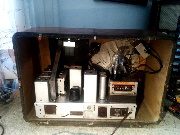 Ламповые радиоприёмники деда Панфила - Страница 20 Minerv11