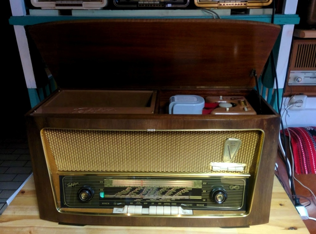 Ламповые радиоприёмники деда Панфила - Страница 18 Tefi210
