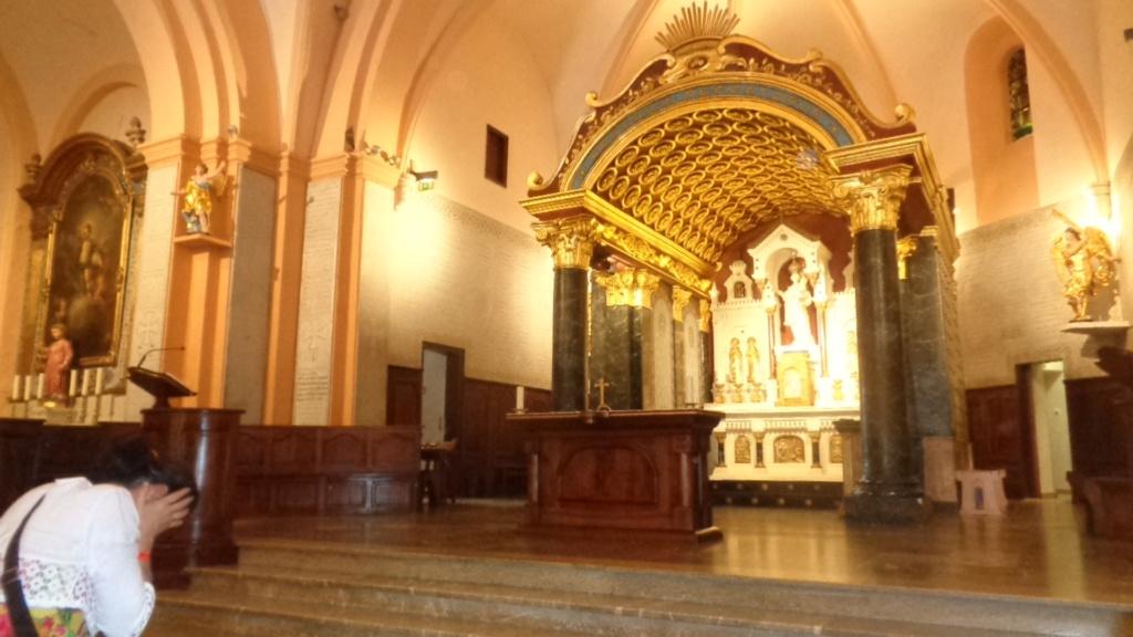 Petit intermède... Semaine du 15 août consacrée à Marie, Notre Très Sainte Mère. Dsc02413